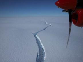 Massive Ice Shelf in Antarctica Calves