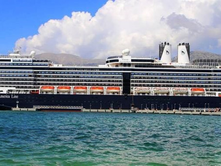 Two Cruise Ships Collide in Vancouver Harbour