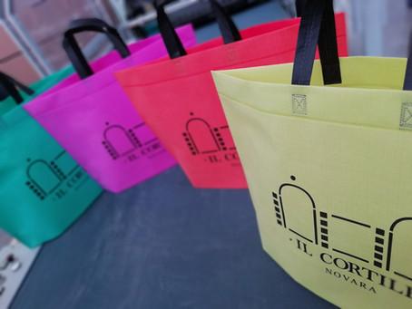 Shopping bag in tessuto sintetico: perché è così resistente