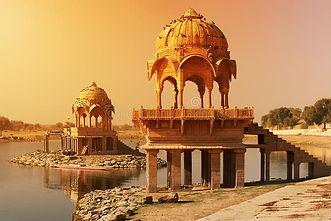 indian-attractions-bright-sunlight-salt-light-streaming-over-gadi-sagar-temple-lake-gadisa