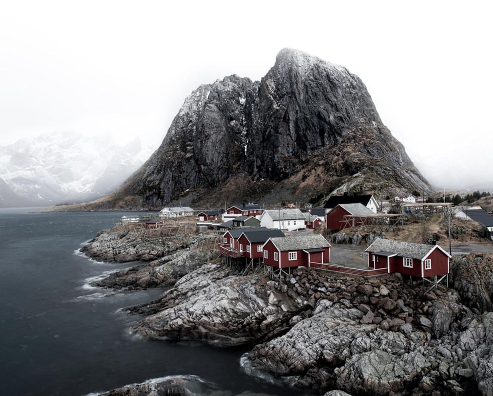 Snøvær over Hamnøy