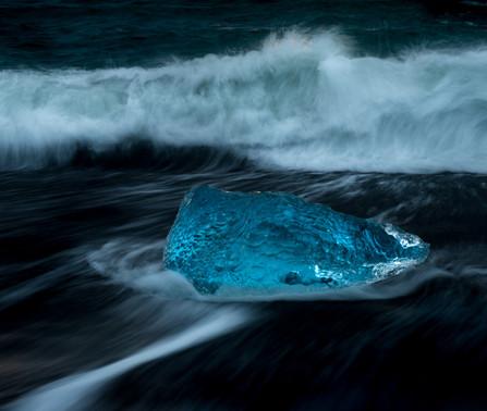 Is i bølgene