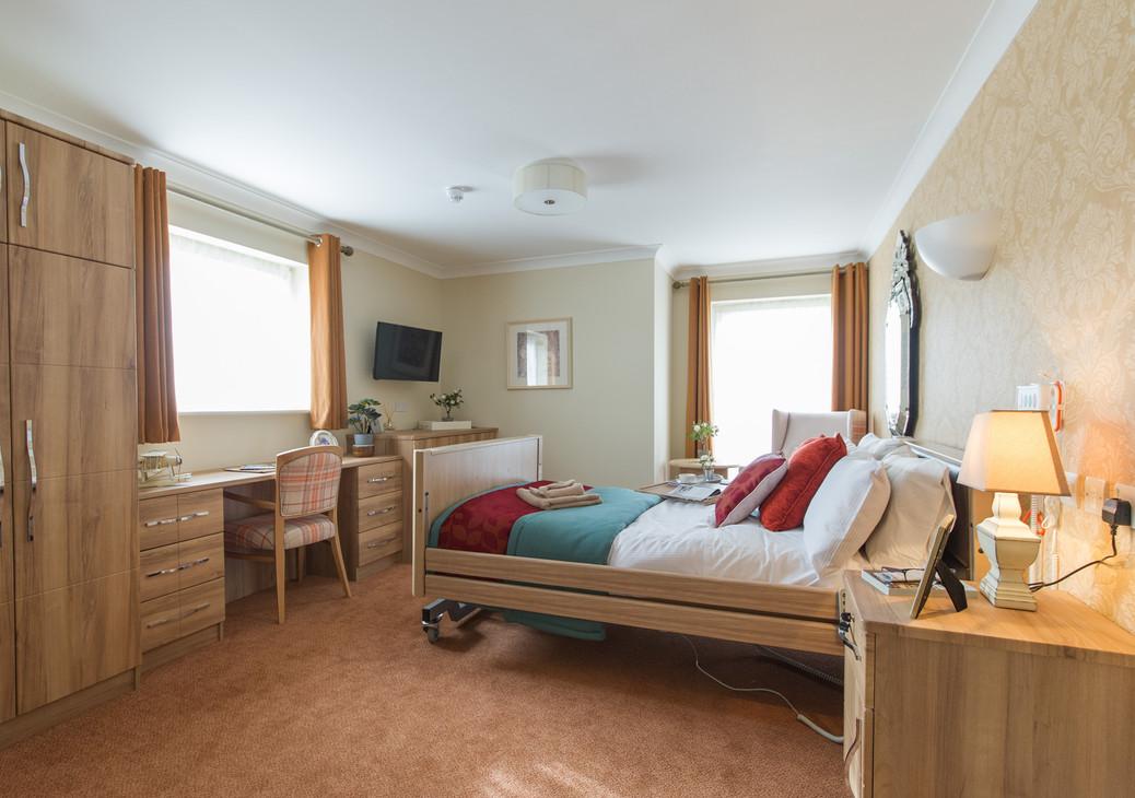 Sevenoaks Care Home - Care UK - Super Premium Room