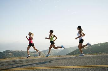 Ejecución de las mujeres atléticas