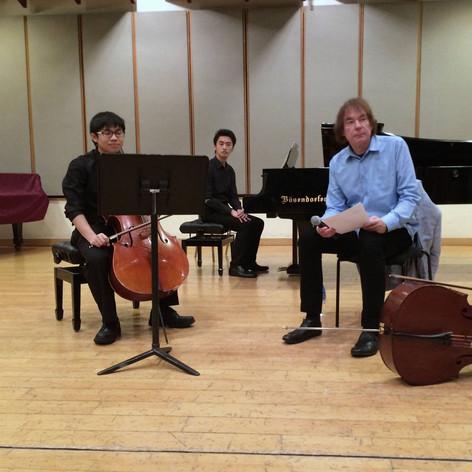 Master Class with Julian Llyold Weber