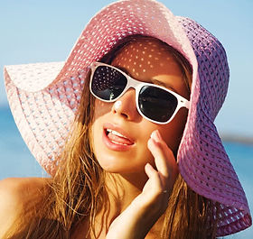 woman-wearing-hat-and-sunglasses.jpg
