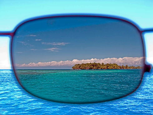 Polarized_Sunglasses_Lens_ShadesDaddy.jp