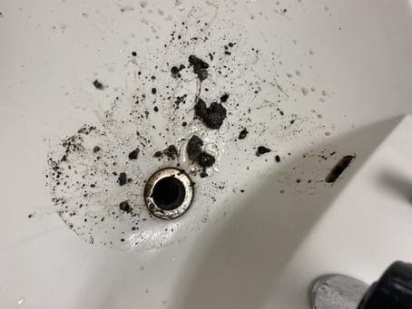 洗面台のあふれ穴