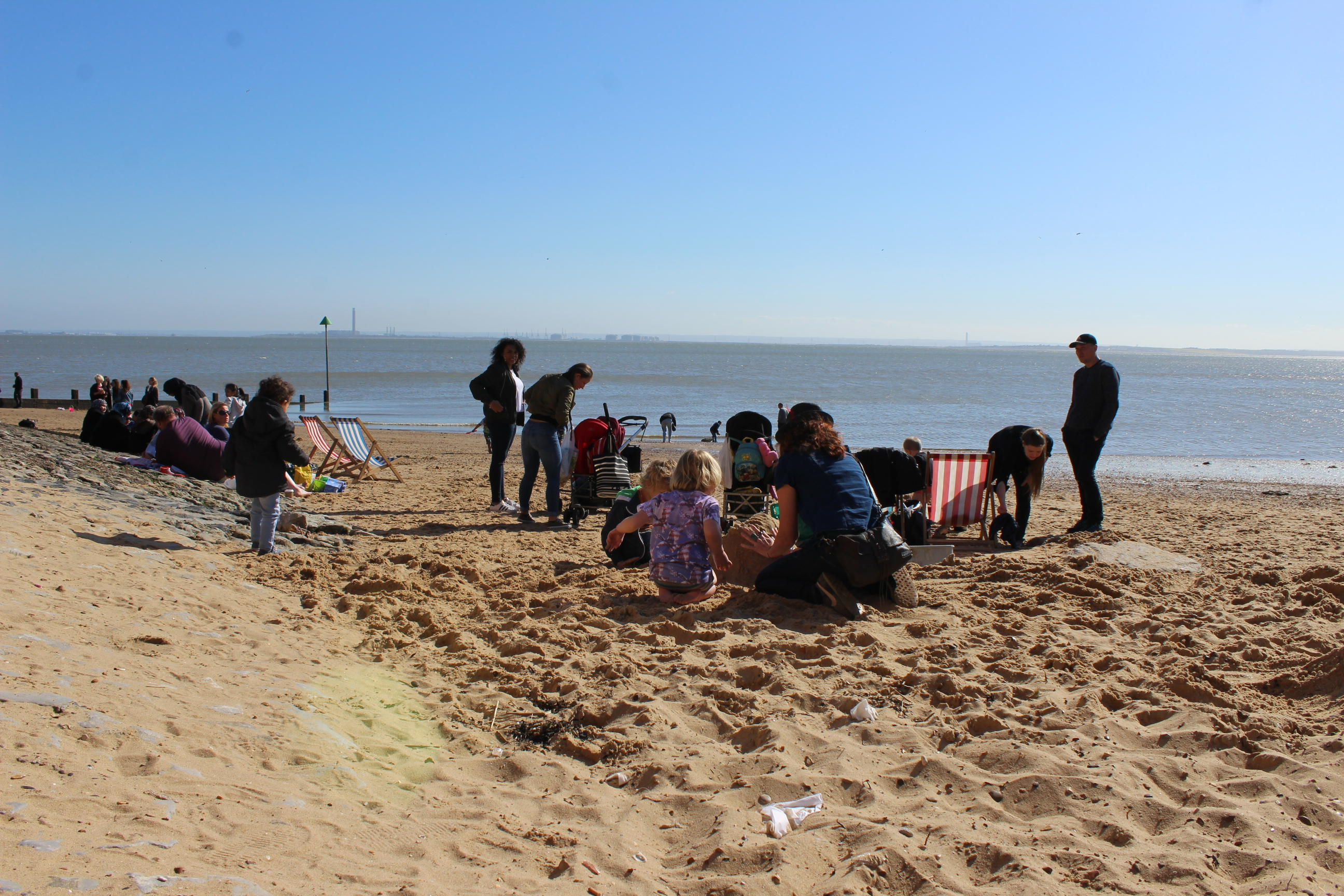 2015-04-18 DAY OUT SOUTHEND BEACH