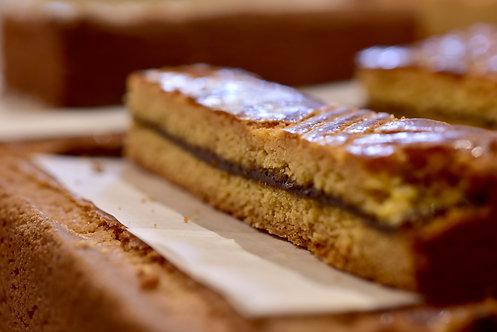 Le Gâteau Breton aux pruneaux à la coupe