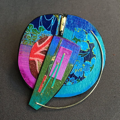 Collage pin