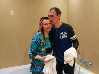 November in Moscow: One Couple Begins Their Race, While Another Finishes