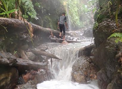 Into the crater - trekking in Una Una