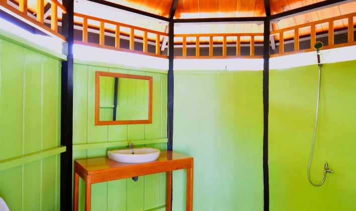 Tree house bathroom