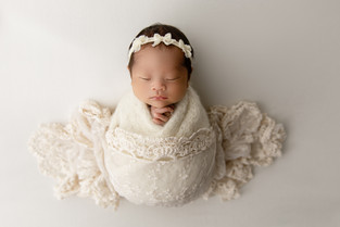 New York New Jersey Newborn Photographer  | Beautiful Mackenzie.