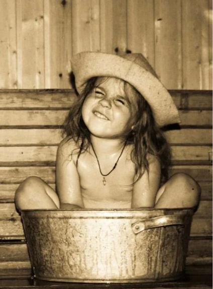 девочка в бане.jpg