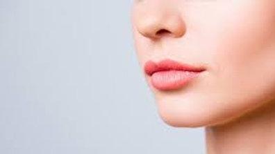 Menton / lèvre supérieure / joues