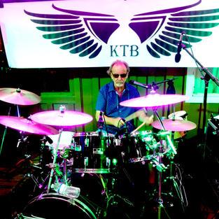 El Drummer Cinco