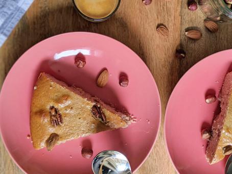 Gâteau à l'amande, aux pommes et aux noix de pécan (sans beurre)