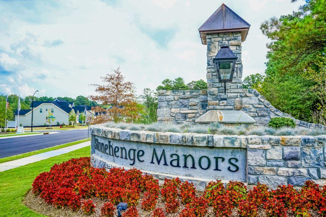 Stonehenge Manor Signage