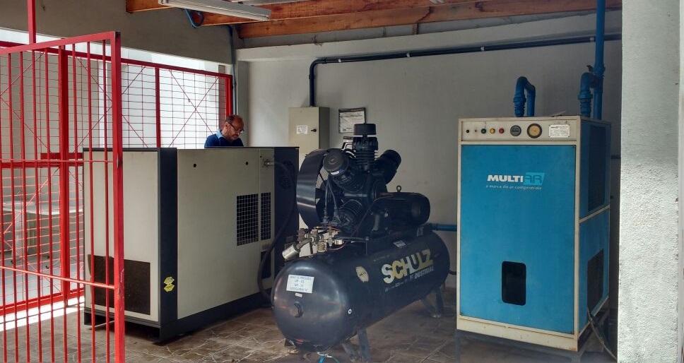Casa de compressores e secador