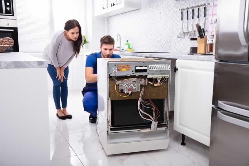 Broken dishwasher. Repair dishwasher. Plumber for dishwasher. Install dishwasher. Replace dishwasher. Dishwasher Gympie.
