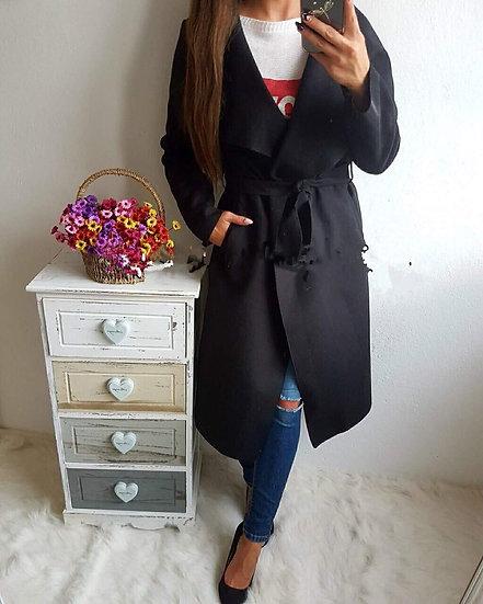 Дълго черно палто