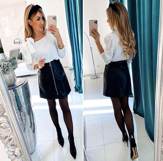 Блузка с панделка