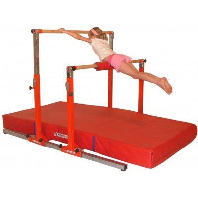 """Junior Gym""-barras asimétricas para niños"