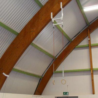 Plataforma de anillas para el techo con altura ajustable