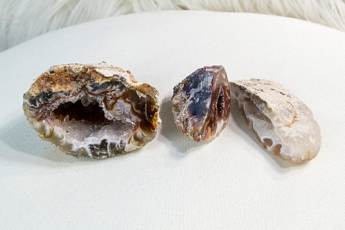 Geodes: Connect to Divine, Uplifts Spirit, Relieve Stress