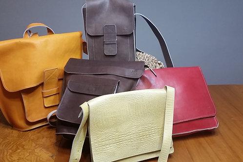 Caiman Handbag - Great Detailing