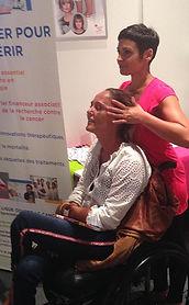 Myriam Le Guen - massage assis en fauteil roulant