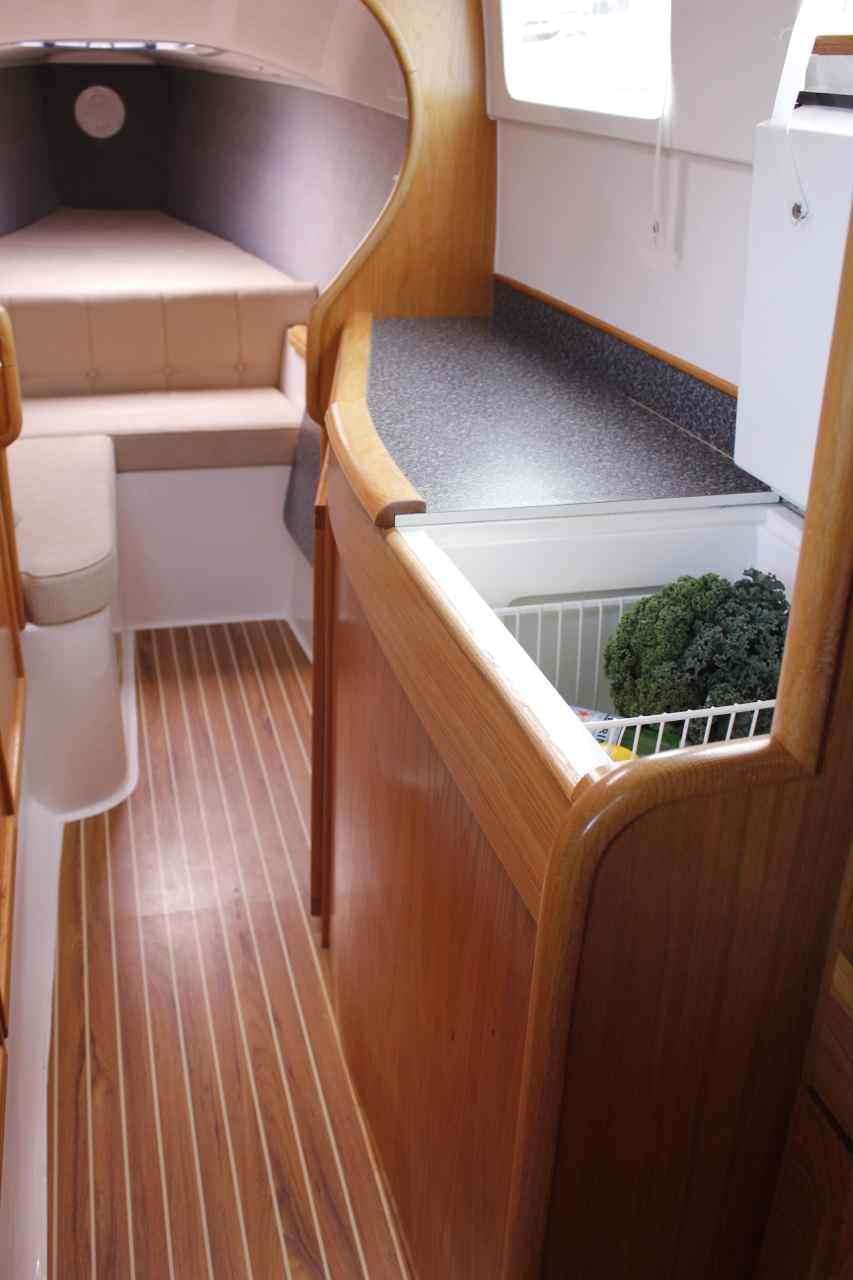 Seawind 1000 fridge