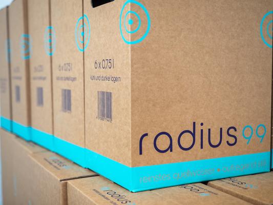 radius99-Karton.jpg