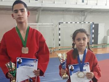 Открытый республиканский турнир по борьбе самбо среди юношей и девушек, памяти заслуженного тренера