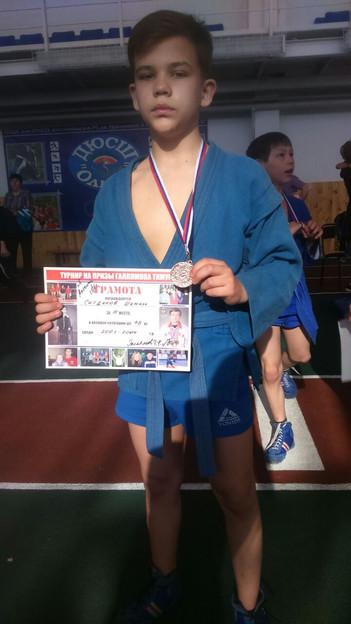 В пгт Уруссу Республики Татарстан, прошел межрегиональный турнир по самбо на призы Заслуженного маст