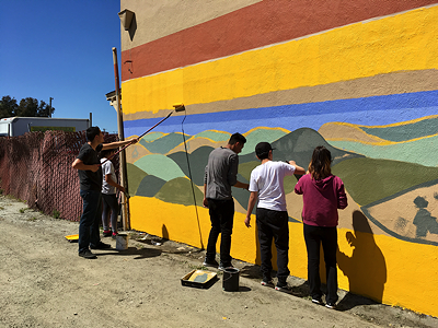 Mural Painting volunteers