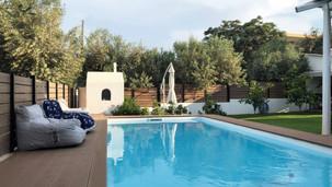 Κατασκευή πισίνας και διαμόρφωση περιβάλλοντα χώρου