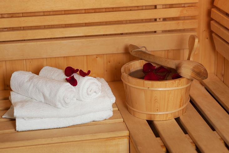 sauna-bucket-with-rose-petals.jpg