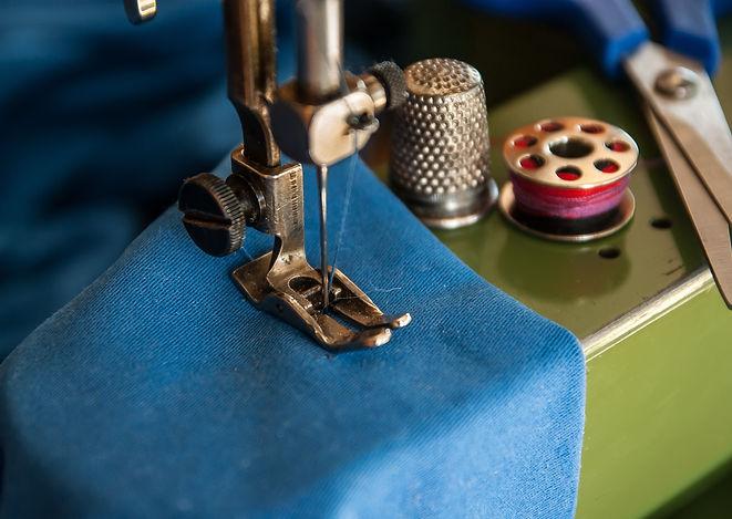 sewing-machine-1369658.jpg