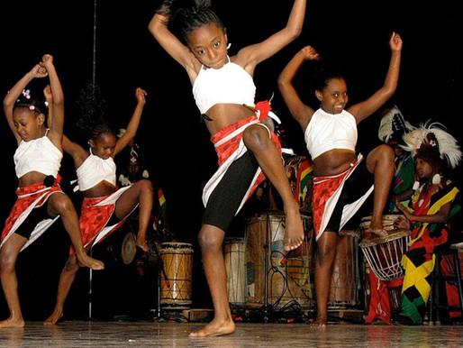 Venez passer un agréable moment en dansant de la  Danses Africaine. Il reste de la place.