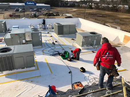 How Offseason Commercial Roofs and Replacement Works