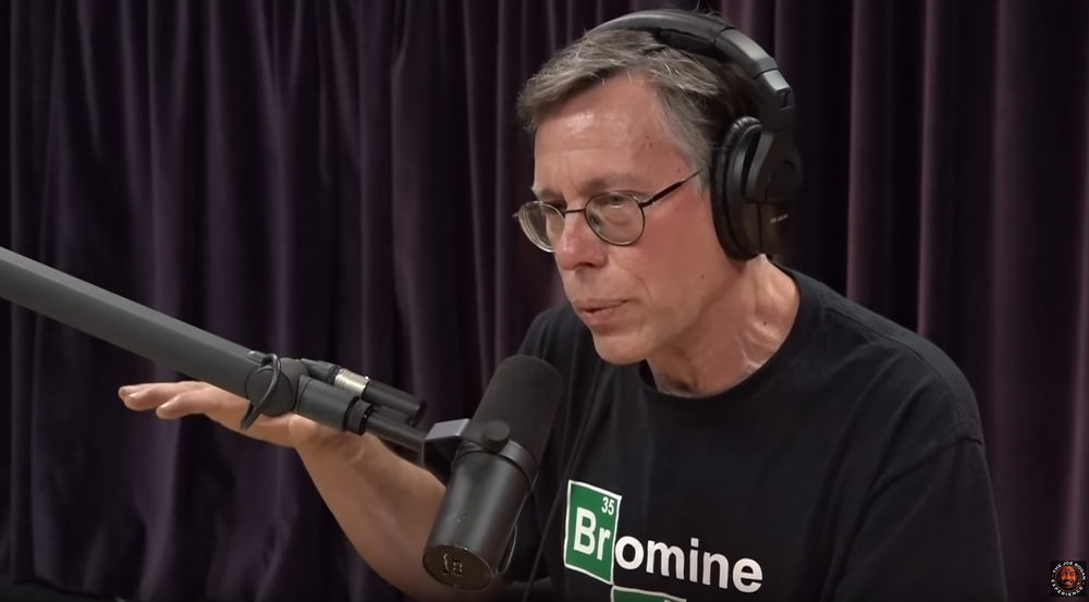 Bob Lazar shares his story to Joe Rogan