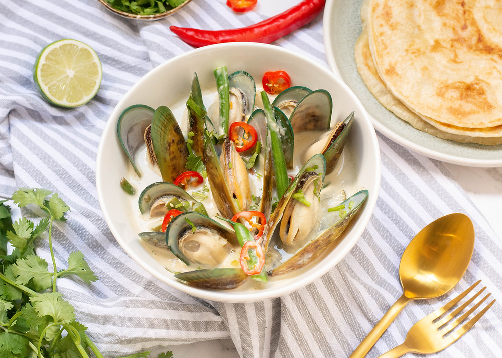 Thai Green Curry Mussel lime coriander food photography