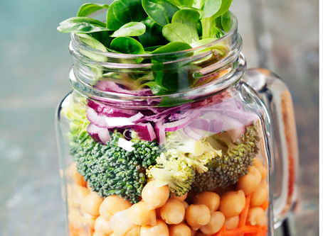 Mason jar salads for moms on the go