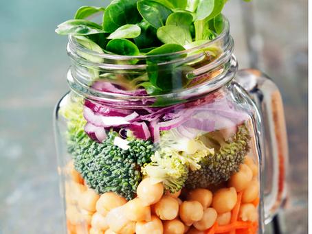 Mason jar salads for moms on the go