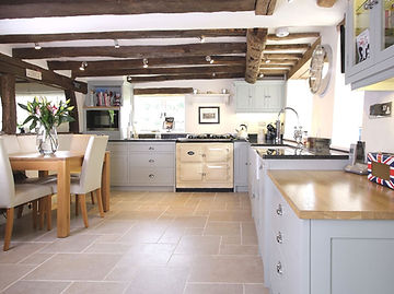 Lyne Kitchens | Hascombe Surrey Master.j