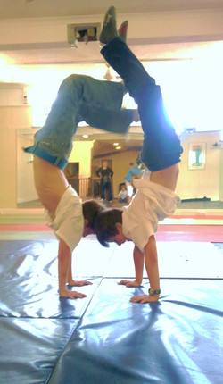 Break Dancing Class (2009) 1