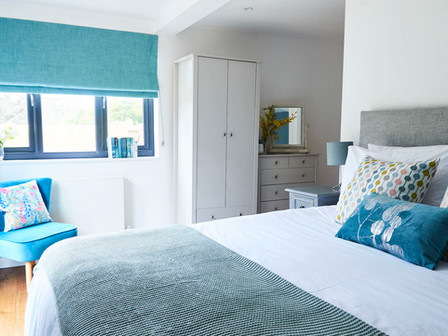 Bedroom 5 - downstairs en suite suitable for disabled